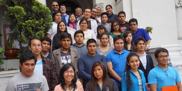 Jóvenes interesados en trabajo voluntario