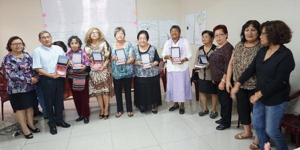 Reconocimiento a hermanas metodistas